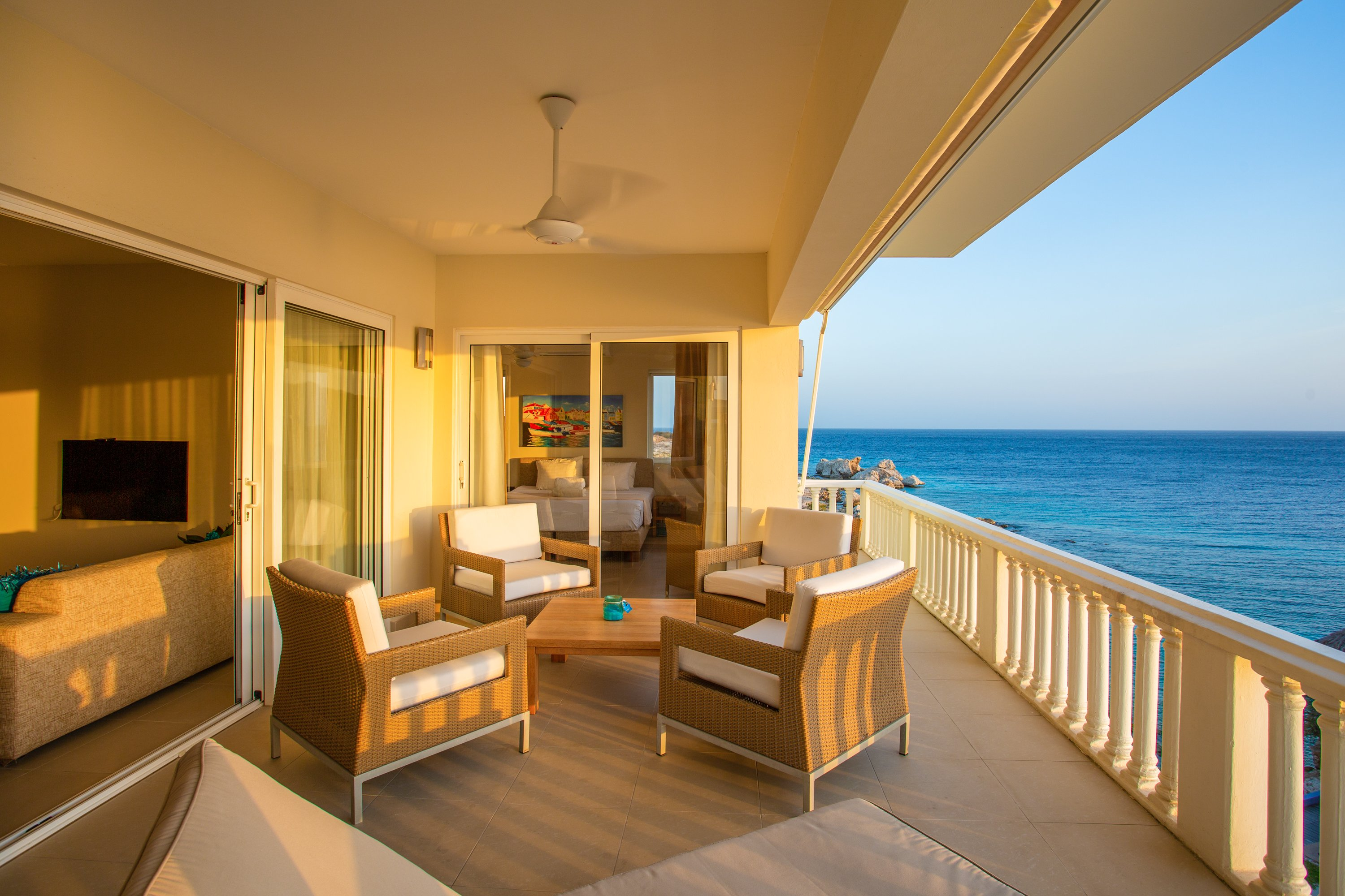 Blue Bay Ocean Suites
