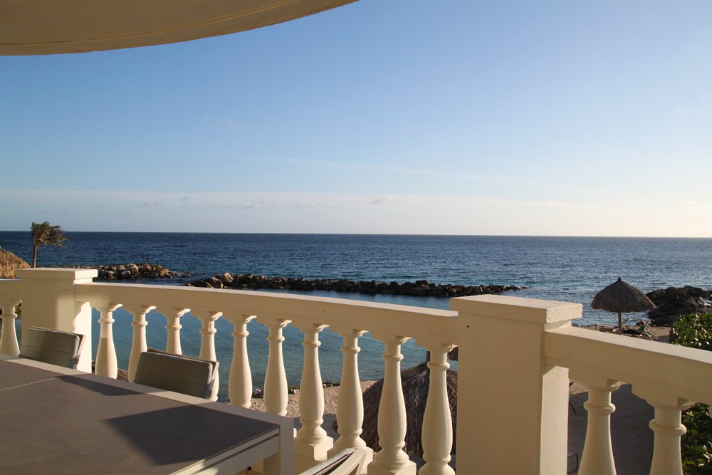 Beau Rivage Beachfront Suite Curacao